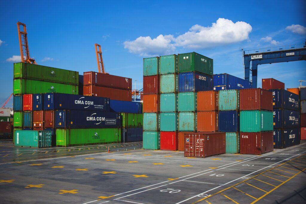 01_kontejnery