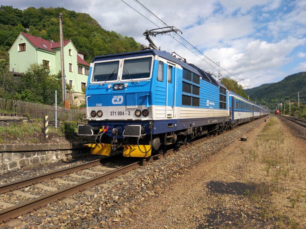 02_vlaky